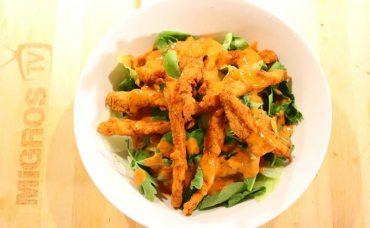 Çıtır Tavuk Salatası Tarifi
