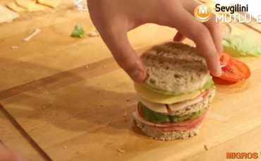 Sevgilini Mutlu Et! – Kepekli Ekmekli Sandviç Tarifi