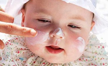 Yenidoğan Bebeklerde Yüz Bakımı Nasıl Yapılmalıdır?