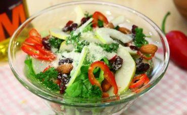 Parmesanlı Armut Salatası Tarifi