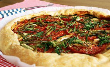 Domatesli Pratik Pizza Tarifi