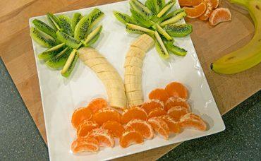 Kış Meyveleri Bir Arada; Palmiye Süslü Meyve Tabağı Tarifi