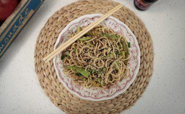 Kuşkonmazlı Noodle Tarifi
