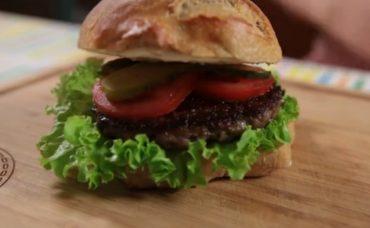 Uzman Kasap Hamburger Köftesi ile Hamburger Tarifi