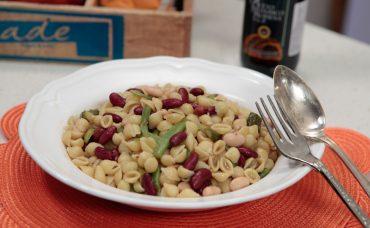 Üç Fasulyeli Makarna Salatası Tarifi