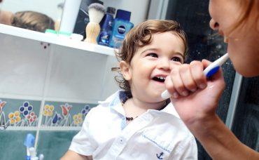 Annelere Sorduk; Bebeğinizin Diş Bakımını Nasıl Yaptınız?