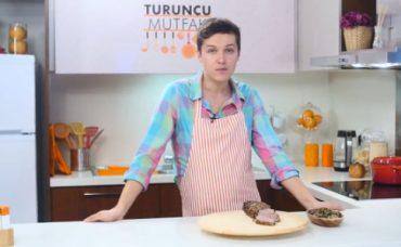 Turuncu Mutfak'tan Tarifler: Fırınlanmış Bonfile ve Üç Mantarlı Ragu