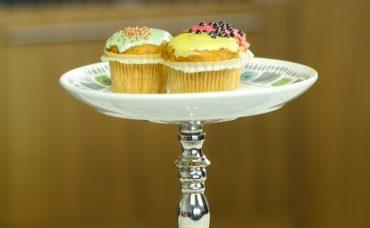 Eski Tabaklardan Kek Standı Nasıl Yapılır?