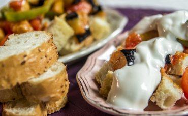 Patlıcanlı Bayat Ekmek Salatası Tarifi