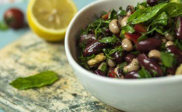İftar Sofranıza; Meksika Fasulyeli Kuru Börülce Salatası
