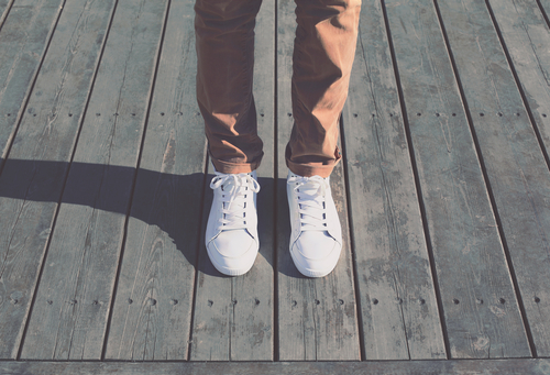 beyaz-spor-ayakkabi-temizligi