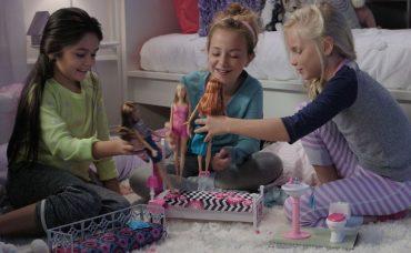 Barbie Oyun Setleri ile Eğlenceli Saatler!