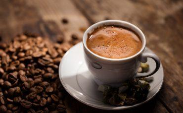 Meltem Açıkel'den Bayatlamış Türk Kahvesini Tazeleme Önerisi