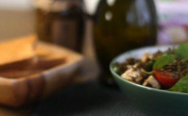 Zahterli Kahvaltı Salatası Tarifi