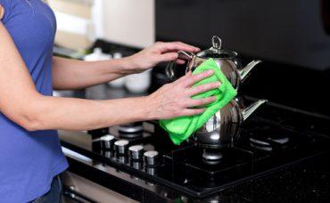 Erkan Şamcı'dan Kolay Çaydanlık Temizliği