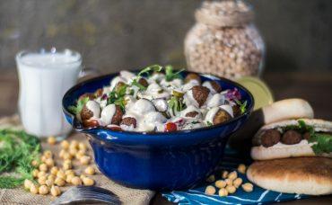 Falafelli Bahar Salatası Tarifi