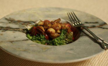 Balzamik Soslu Soğan Salatası Tarifi