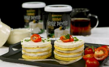Bahçıvan Gurme ile Beyaz Peynirli Omlet Pasta Tarifi