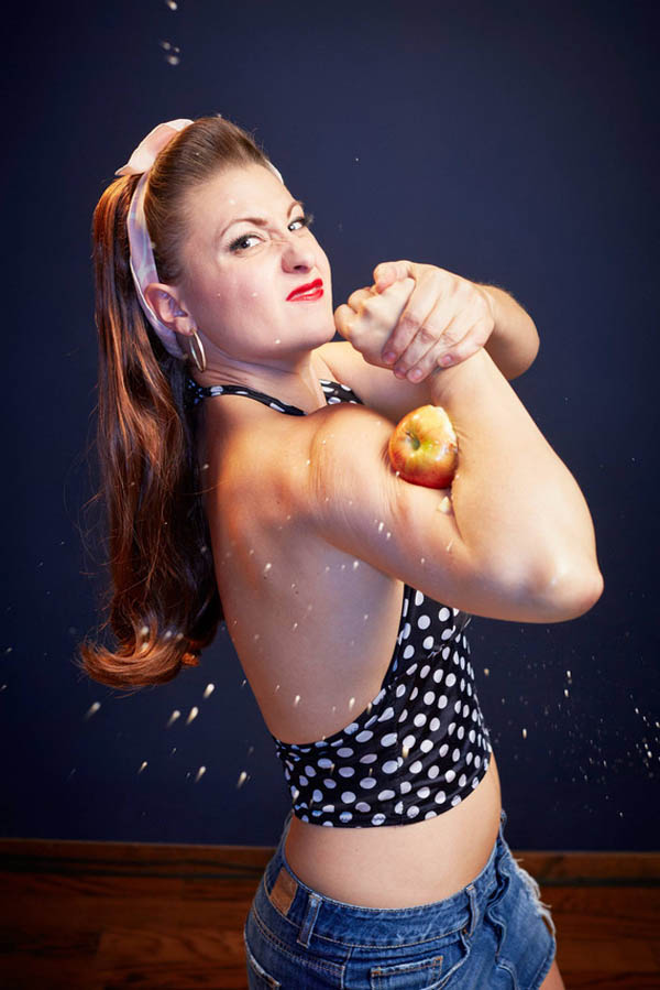 linsey-lindberg-most-apples-crushed-with-the-bicep-3820