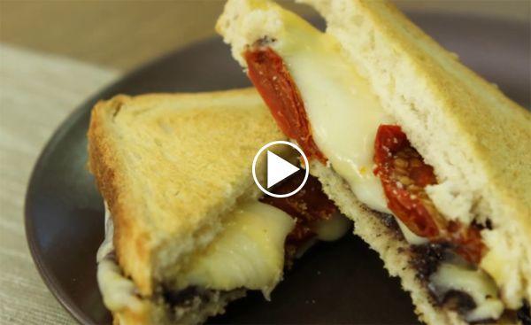 uc-peynirli-tost
