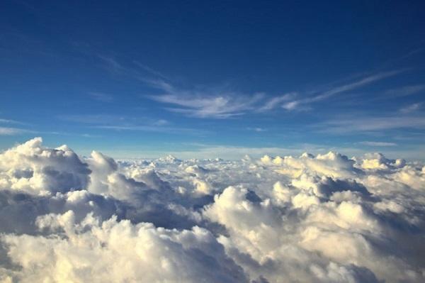 ucak-yolculugu-bulut