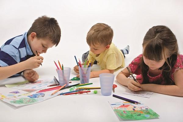 boya_yapan_çocuklar