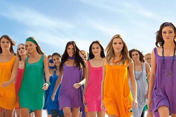 renkli_kıyafet