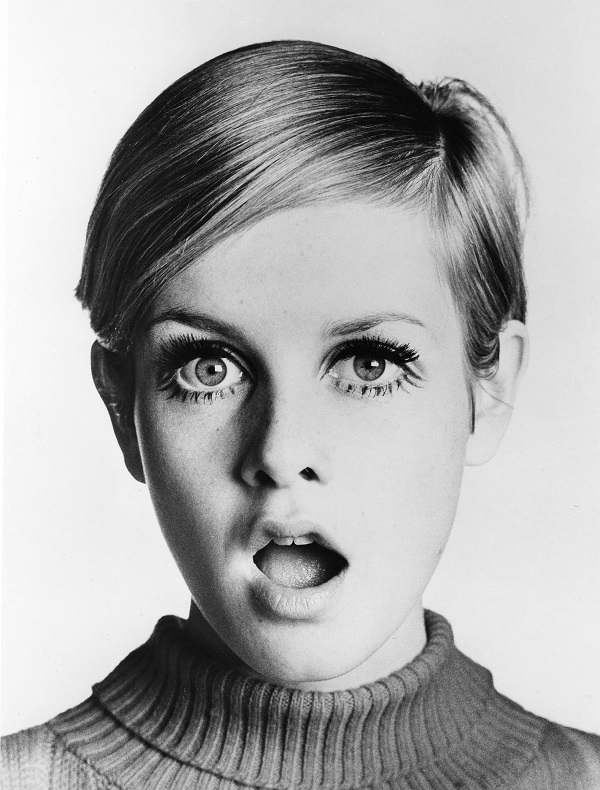 "LOS ANGELES - 1967:  English supermodel Twiggy poses for a portrait during the filming of ""Twiggy in Hollywood"" directed by Bert Stern part of a three episode documentary series that aired in the spring of 1967 on ABC-TV, in Los Angeles, California. (Photo by Michael Ochs Archives/Getty Images)"