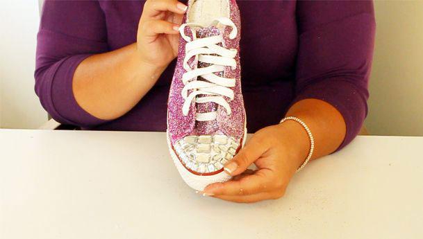 simli ayakkabı
