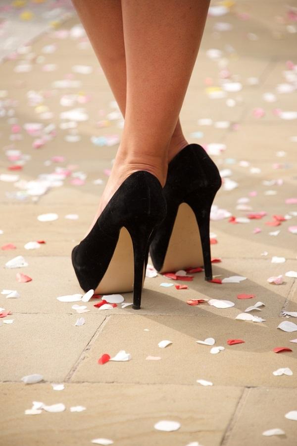 siyah_ayakkabı