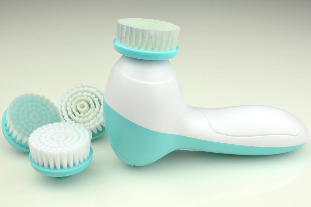 yüz_temizleme_fırçalarının_faydaları