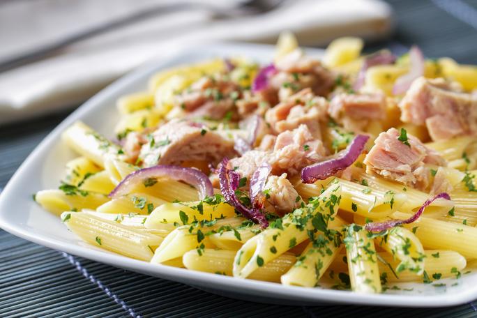 ton-balikli-makarna-salatasi-tarifi