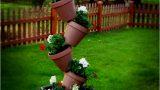 Sıra Dışı Bir Bahçe Dekoru; Saksı Kulesi!