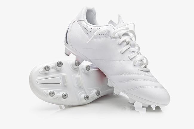 beyaz_ayakkabı