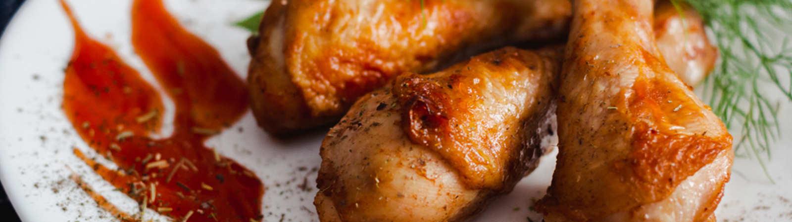 Bir Kâse Salata Yanında: Acılı Tavuk Baget