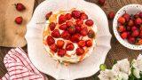 Meyvelerin En Güzeline: Çilekli Pasta