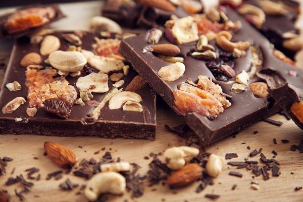 Kuru Meyveli Çikolata Tarifi