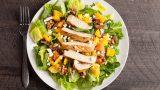 Salatada Fark Yaratır: Tavuklu Sezar Salata