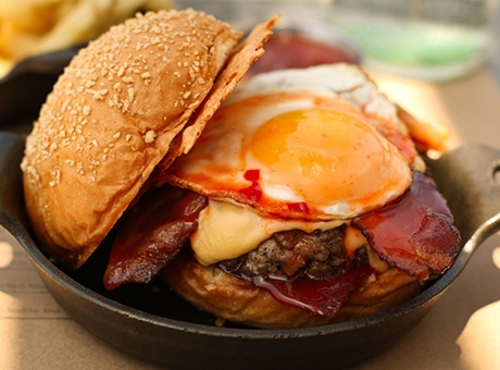 yumurtali-tarifler-hamburger