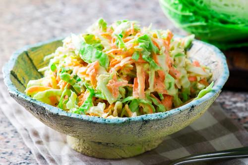 lahana-salatasi